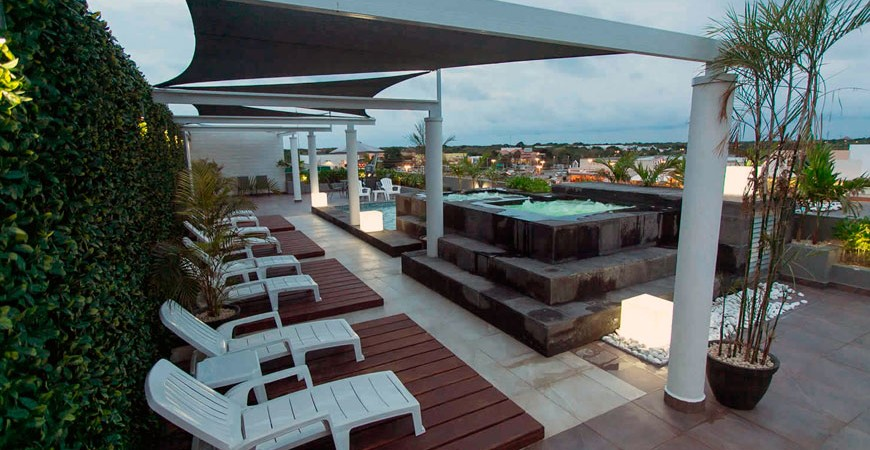 triumph-tower-terraza-playa-del-carmen.jpg